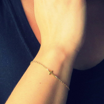 Gold Chain Simple Cross Bracelet Bracelet Exquisite jewelry for women SH035